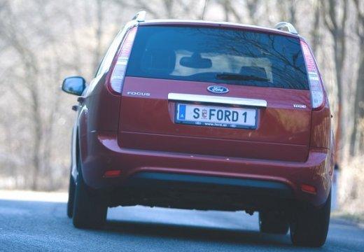 FORD Focus IV kombi czerwony jasny tylny