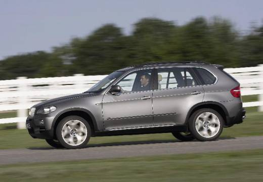 BMW X5 kombi silver grey boczny lewy