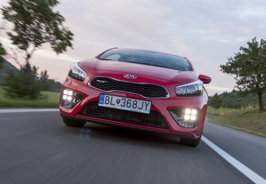 KIA Ceed Proceed V hatchback czerwony jasny przedni