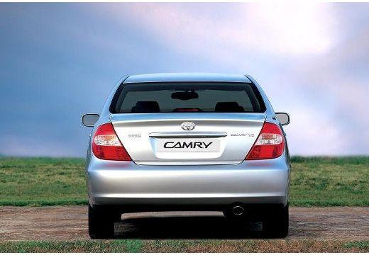 Toyota Camry sedan silver grey tylny
