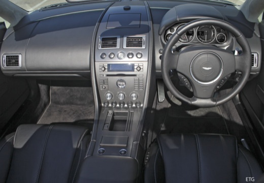ASTON MARTIN Vantage roadster tablica rozdzielcza