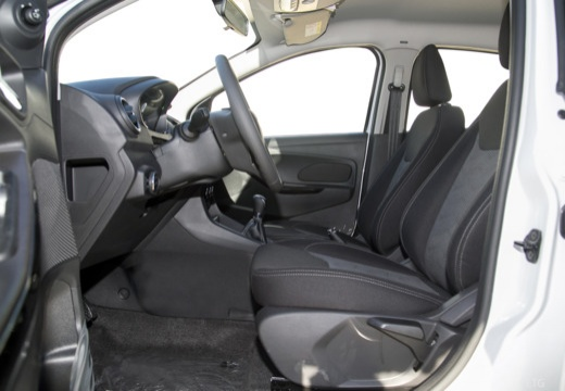 FORD Ka+ hatchback biały wnętrze