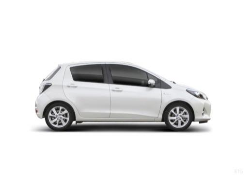Toyota Yaris V hatchback biały boczny prawy