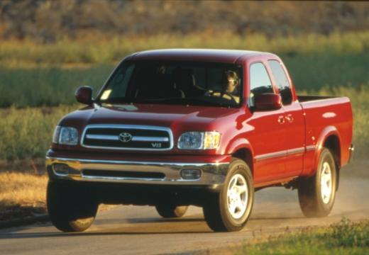 Toyota Tundra I pickup czerwony jasny przedni