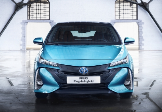 Toyota Prius hatchback niebieski jasny przedni