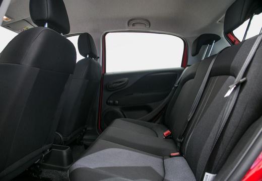 FIAT Punto II hatchback czerwony jasny wnętrze