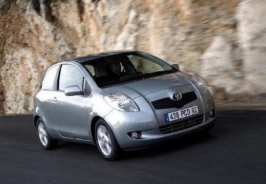 Toyota Yaris III hatchback silver grey przedni prawy