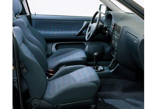 VOLKSWAGEN Polo III I hatchback wnętrze