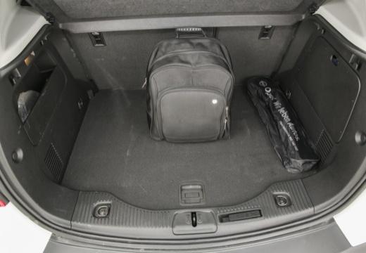 OPEL Mokka I hatchback przestrzeń załadunkowa