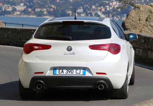 ALFA ROMEO Giulietta I hatchback biały tylny