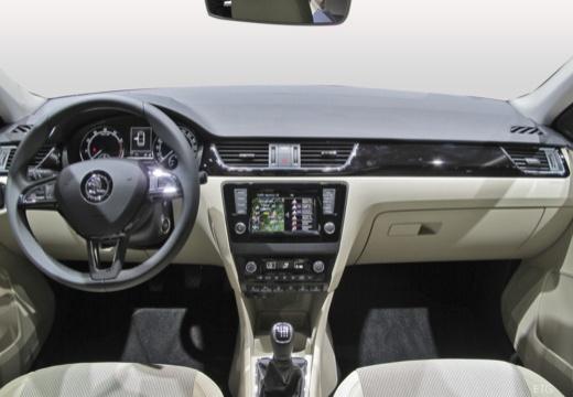 SKODA Rapid Liftback hatchback tablica rozdzielcza