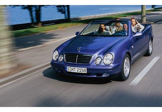 MERCEDES-BENZ Klasa CLK CLK Cabriolet A 208 kabriolet niebieski jasny przedni lewy