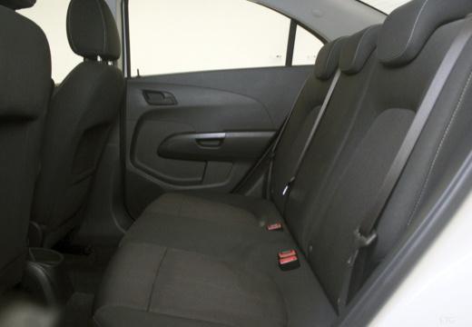 CHEVROLET Aveo III sedan biały wnętrze