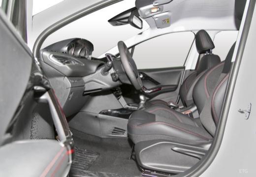 PEUGEOT 208 2008 hatchback wnętrze