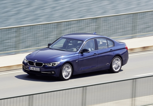 BMW Seria 3 F30/F80 sedan niebieski jasny przedni lewy