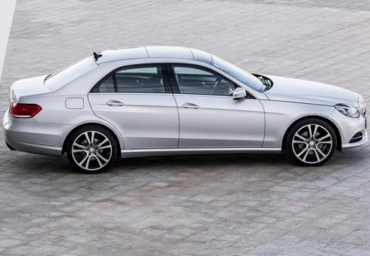 MERCEDES-BENZ Klasa E W 212 II sedan silver grey boczny prawy