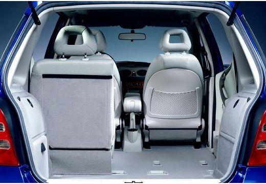 MERCEDES-BENZ Klasa A W 168 II hatchback niebieski jasny przestrzeń załadunkowa