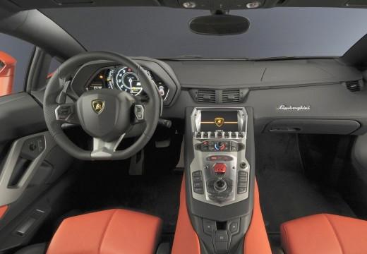 LAMBORGHINI Aventador I coupe tablica rozdzielcza