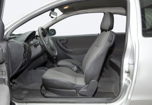 OPEL Corsa C II hatchback silver grey wnętrze