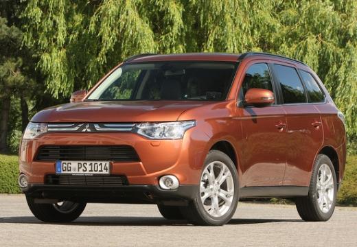 MITSUBISHI Outlander 2.0 Intense 2WD Kombi IV 150KM (benzyna)