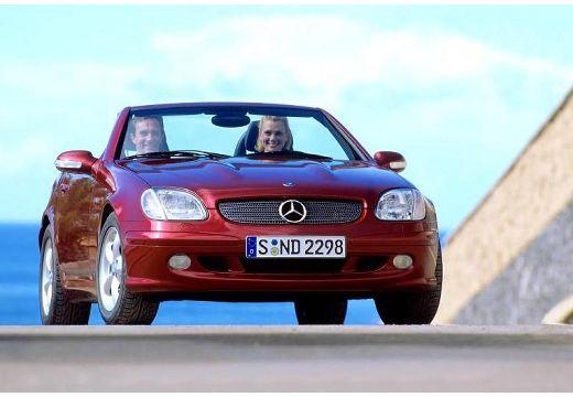 MERCEDES-BENZ Klasa SLK SLK R 170 kabriolet bordeaux (czerwony ciemny) przedni prawy