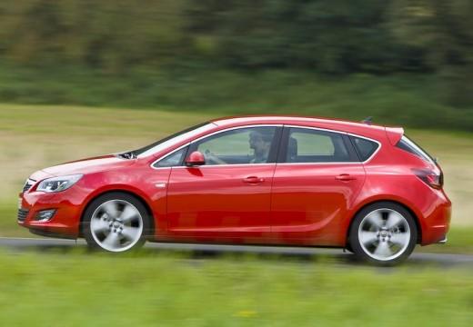OPEL Astra IV I hatchback czerwony jasny boczny lewy