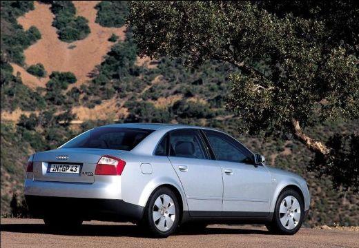 AUDI A4 8E I sedan silver grey tylny prawy