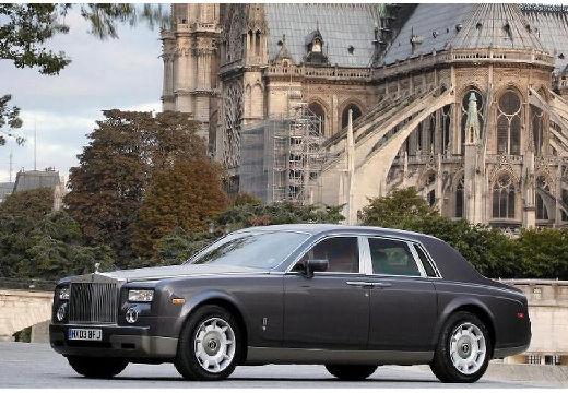 ROLLS-ROYCE Phantom I sedan silver grey przedni lewy