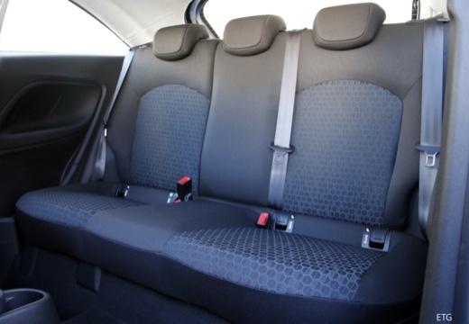 OPEL Corsa E hatchback czarny wnętrze