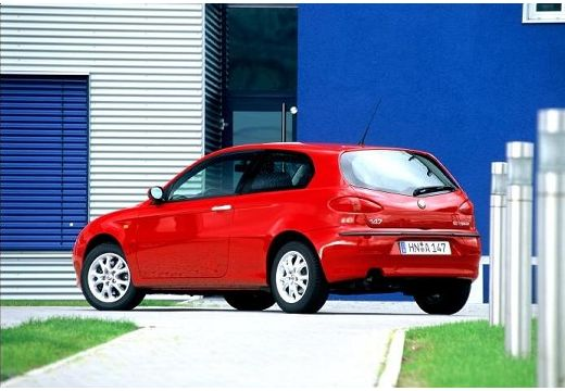 ALFA ROMEO 147 hatchback czerwony jasny tylny lewy