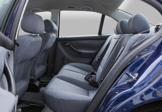 SEAT Toledo II sedan wnętrze