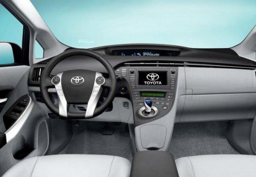 Toyota Prius II hatchback tablica rozdzielcza