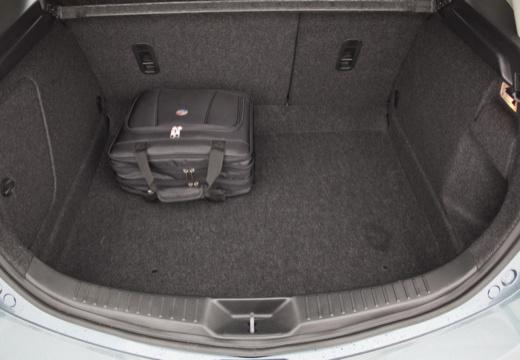 MAZDA 3 IV hatchback przestrzeń załadunkowa