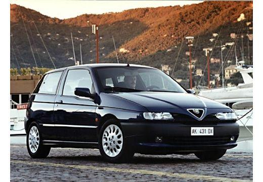 ALFA ROMEO 145 hatchback niebieski jasny przedni prawy