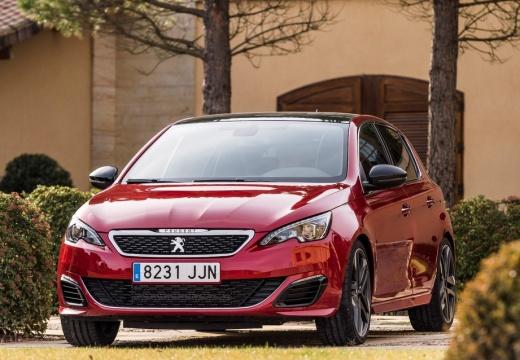 PEUGEOT 308 III hatchback czerwony jasny przedni
