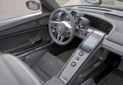 PORSCHE 918 Spyder kabriolet tablica rozdzielcza