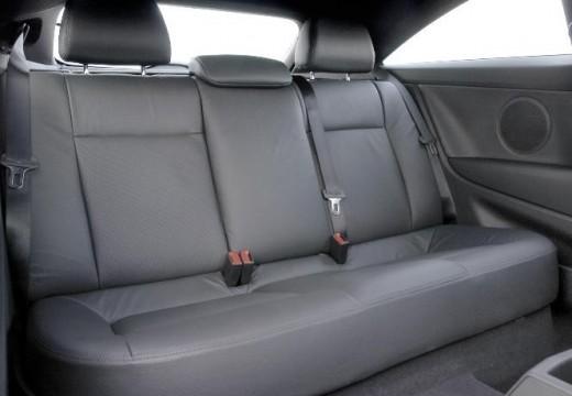 OPEL Astra III GTC II hatchback wnętrze