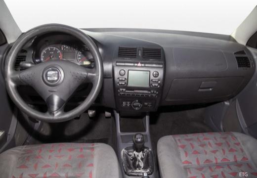 SEAT Cordoba II sedan tablica rozdzielcza