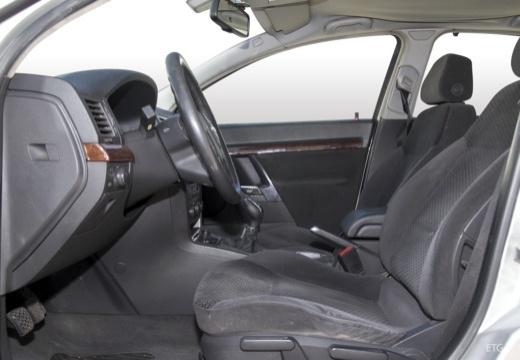 OPEL Vectra C I sedan wnętrze