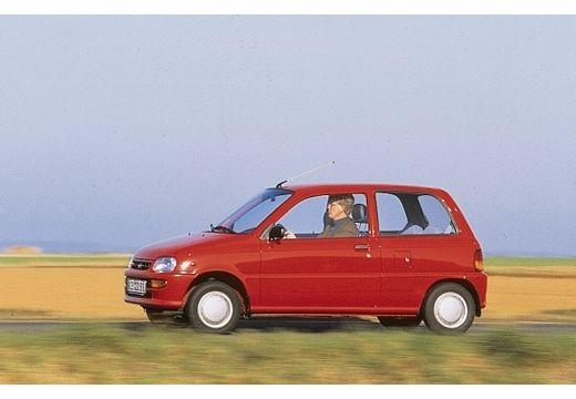DAIHATSU Cuore III hatchback czerwony jasny boczny lewy