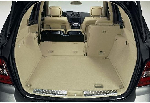 mercedes benz ml 63 amg 4 matic kombi 164 i 6 3 510km 2006. Black Bedroom Furniture Sets. Home Design Ideas