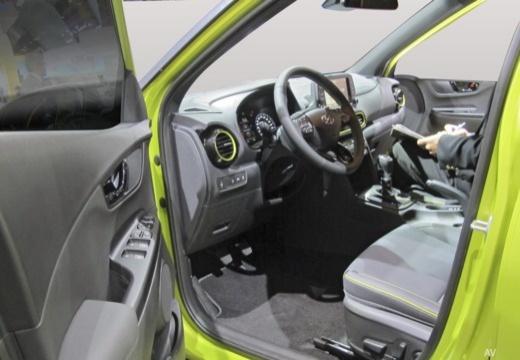 HYUNDAI Kona hatchback wnętrze
