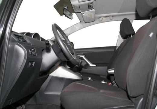 Toyota Verso I kombi mpv czarny wnętrze