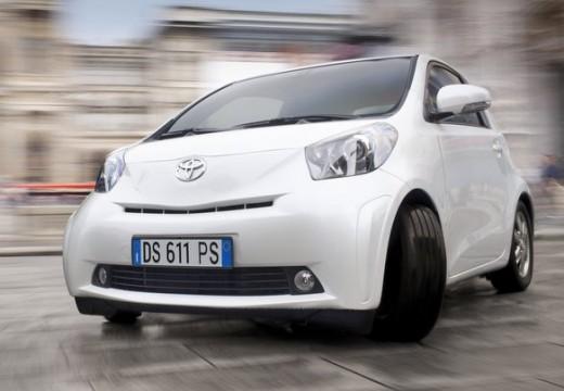 Toyota iQ hatchback biały przedni lewy