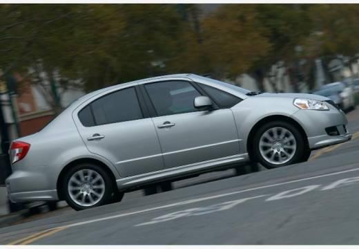 SUZUKI SX4 sedan silver grey boczny prawy