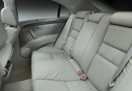HONDA Legend sedan wnętrze