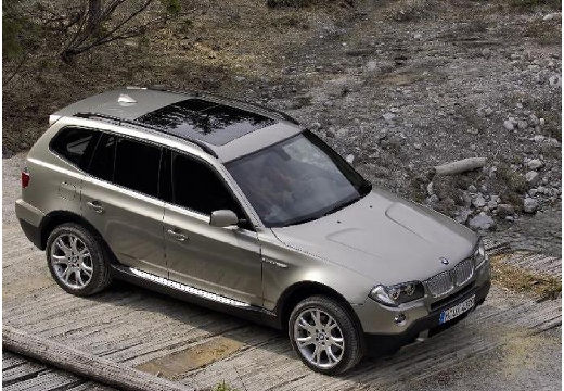 BMW X3 kombi szary ciemny przedni prawy