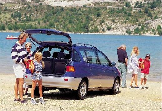 Toyota Picnic van niebieski jasny tylny prawy