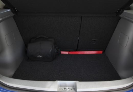 SUZUKI SX4 II hatchback niebieski jasny przestrzeń załadunkowa