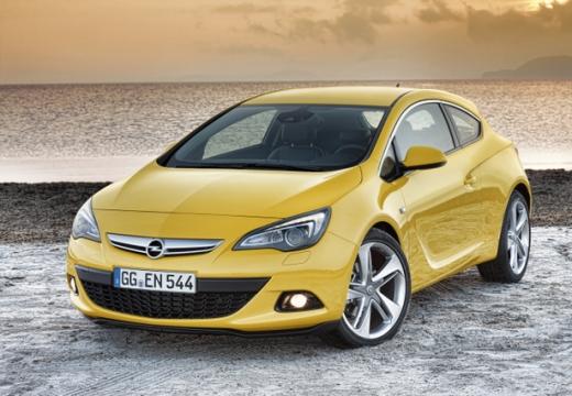 OPEL Astra IV GTC II hatchback żółty przedni lewy